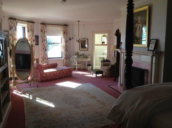 Inn at Shelburne Farms : typical room