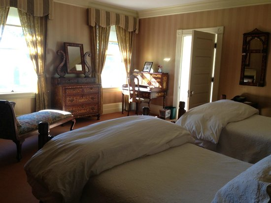 Inn at Shelburne Farms: typical room