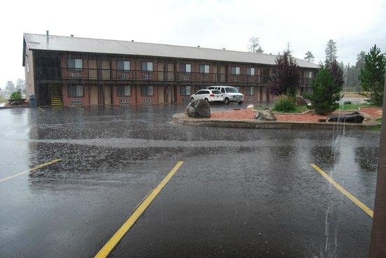 Bryce View Lodge: Motel vu de l'extérieur