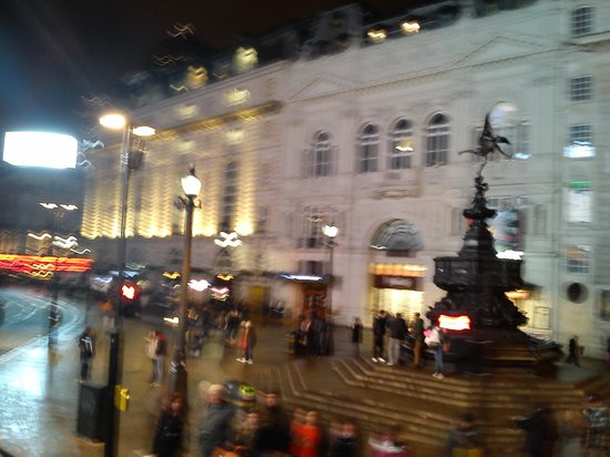 See London By Night: Eros Piccadilly