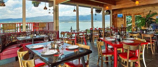 Mustachio's on the Lake: Great view of Lake Granby from the dining area