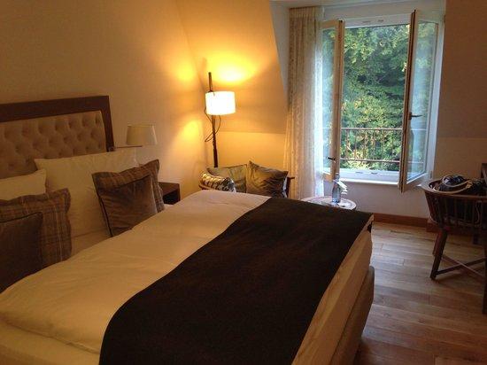 Waldhotel Stuttgart : Das Zimmer mit dem Boxspringbett. Urgemütlich!