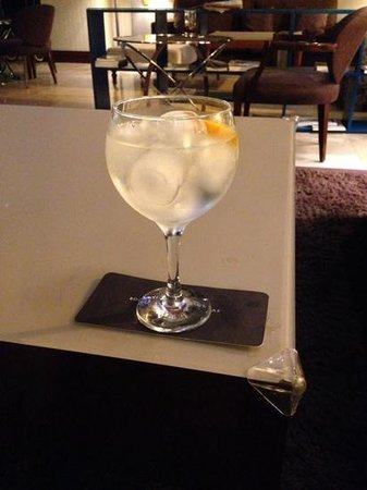 Ayre Hotel Astoria Palace: The local Valencia Gin in my G&T