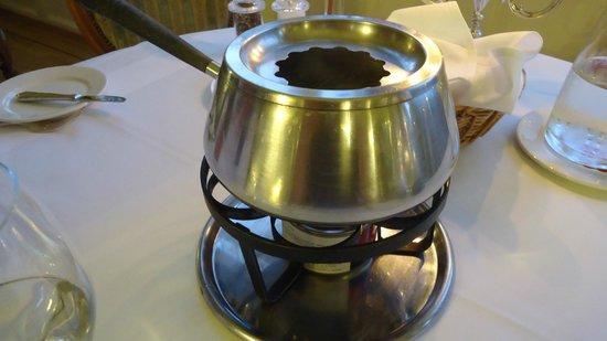 Restaurant The Verandah: rechaud do fondue chinoise