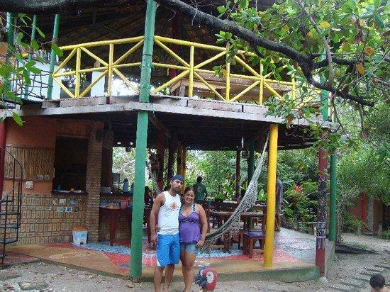 Eco Hostel Lujimba: Fachada dos quartos