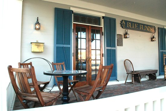 Blue Blinds Bakery: Blue Blinds Porch