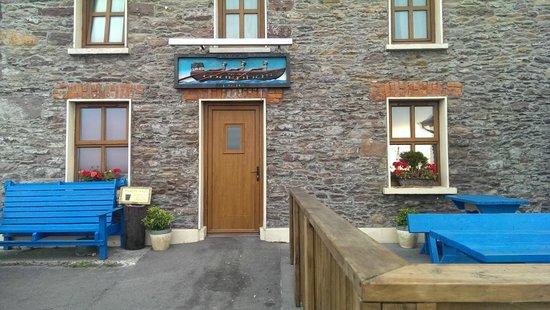 Murphy's Bar Brandon: bar from outside