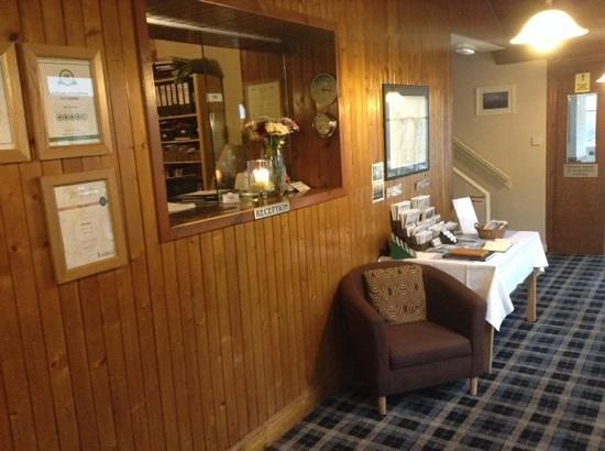 Ben Loyal Hotel: reception area