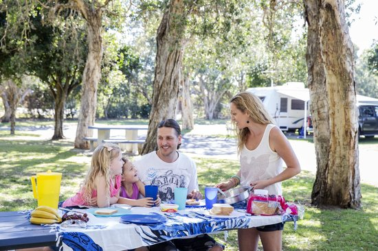 Park Beach Holiday Park: Family BBQ