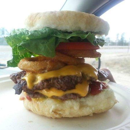 Kokom's Bannock Shack : Famous Kokom Bannock Burger