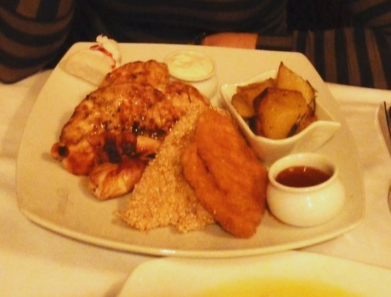 Frans: plate of chicken with 4 different variations