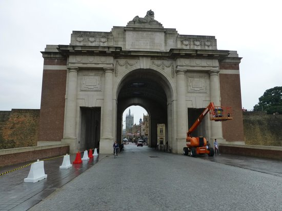The Menin Gate : Menin Memorial Gate
