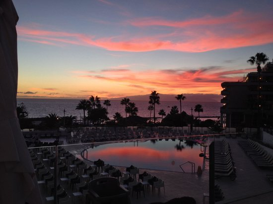 HOVIMA Costa Adeje: My last evening meal looking out at the sunset from the terrace fantastic