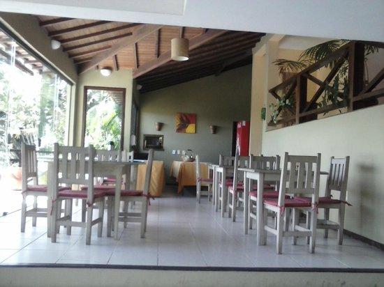 Pousada Amancay : café da manha farto e com variedades