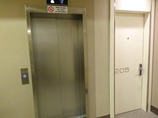 Grand Hotel Des Arts : O elevador