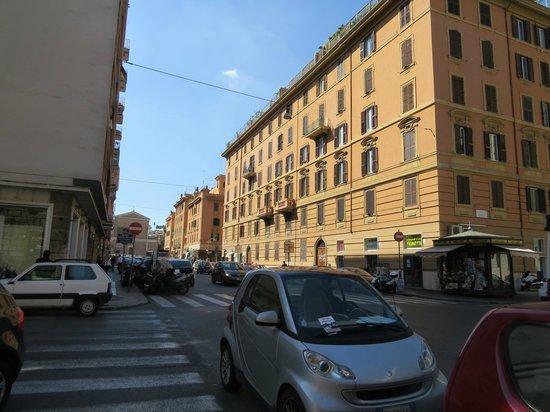 Alba sul Vaticano: Via Candia