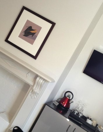 Gregory House: Inside room