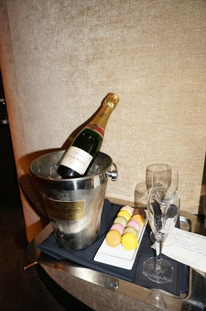 Hotel De Buci by MH: A great welcome!