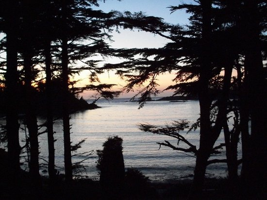 The Cabins at Terrace Beach: Sunset in October WOW!