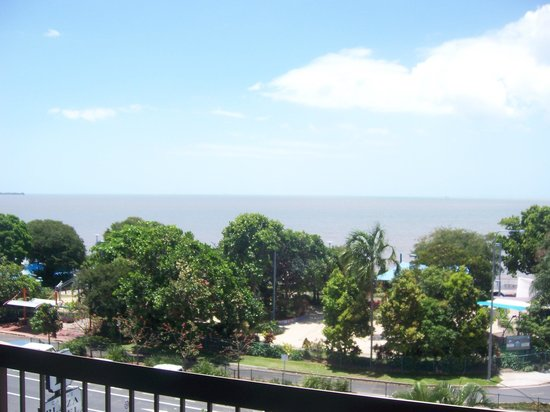 Cairns Plaza Hotel: Balcony View