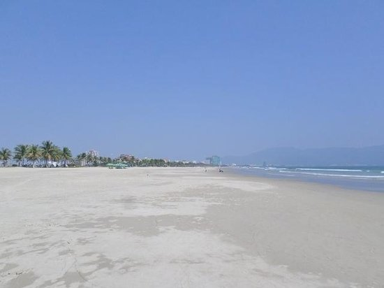 Non Nuoc Beach: beautiful beach