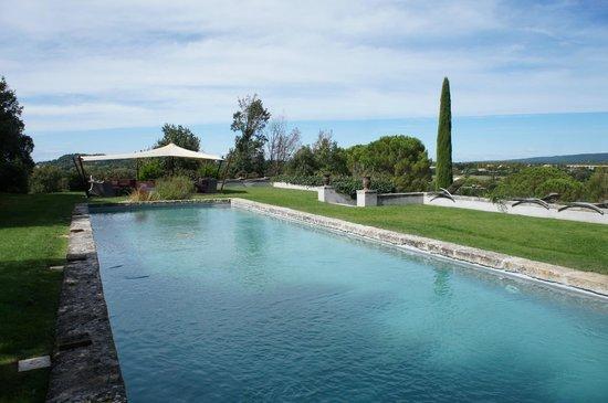La Pauline: The amazing pool and lounge area
