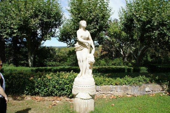 La Pauline: Statue