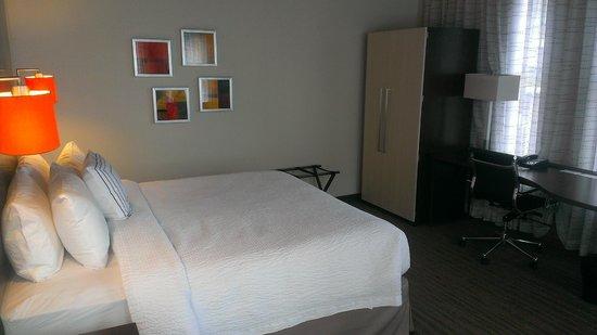 Residence Inn Boston Downtown/Seaport : bed area