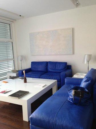 Magna Pars Suites: main room