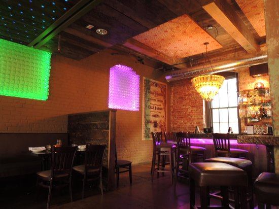 Casa del Barco: love the colors in here!!