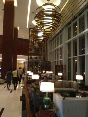 Kerry Hotel Pudong Shanghai: Lobby Area
