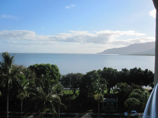 DoubleTree by Hilton Hotel Cairns: view 618