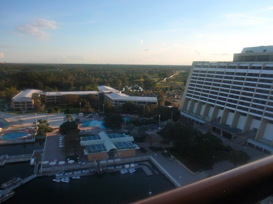 Bay Lake Tower at Disney's Contemporary Resort : view from 2nd floor balcony