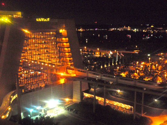 Bay Lake Tower at Disney's Contemporary Resort : view from Top of the World lounge