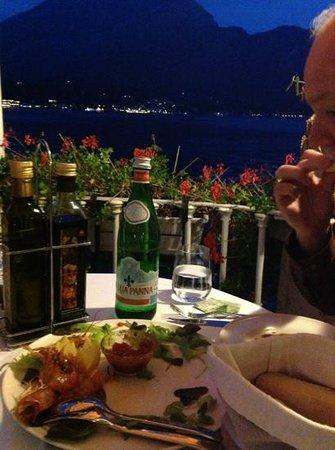 Hotel Metropole Bellagio: beautiful view for dinner