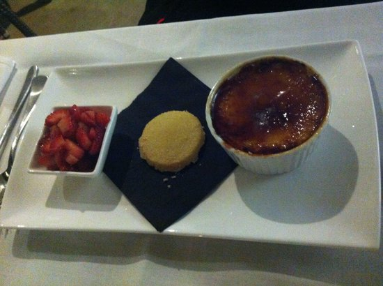 Elephant Rock Cafe: Cre me brûlée apparently it was yummy!