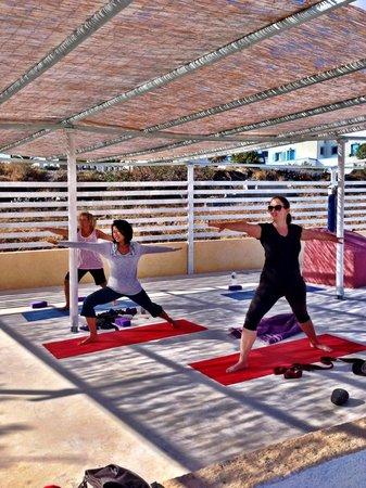 Santorini Yoga With Veronika : Warrior