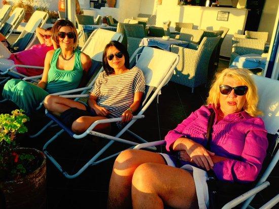 Santorini Yoga With Veronika : Sunset in Fira with retreat