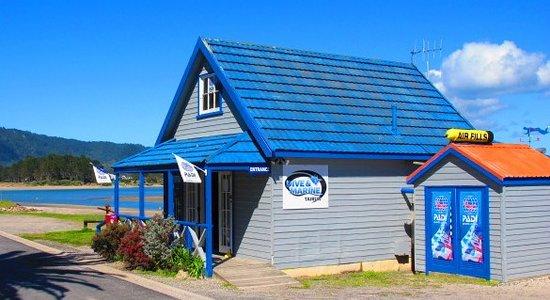 Tairua Dive and Marine: The Shop
