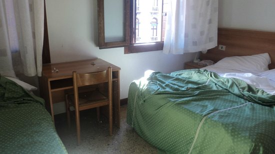 Alloggi Gerotto Calderan: nuestra habitacion de 4 camas