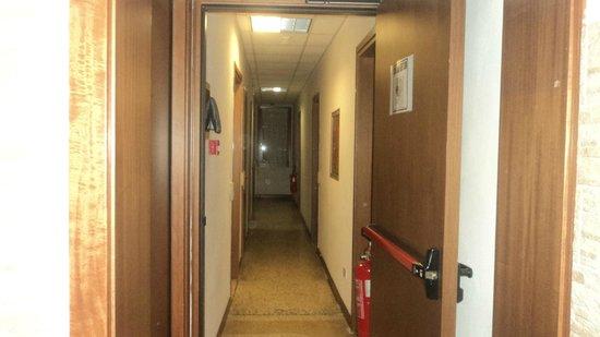 Alloggi Gerotto Calderan: pasillo de las habitaciones