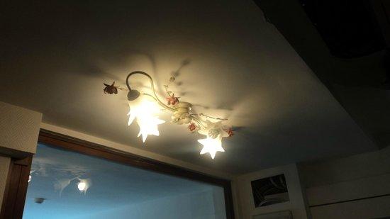 Alloggi Gerotto Calderan: lamparas del pasillo