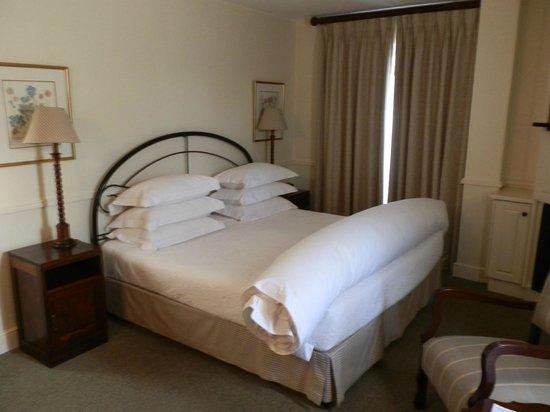 Queens Hotel: bed