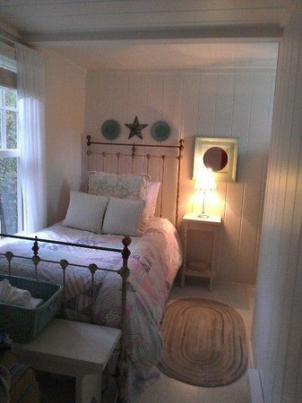 The Cottages at Cabot Cove: Guest Room