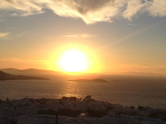 Hermes Mykonos Hotel : Excellent view of the sunset