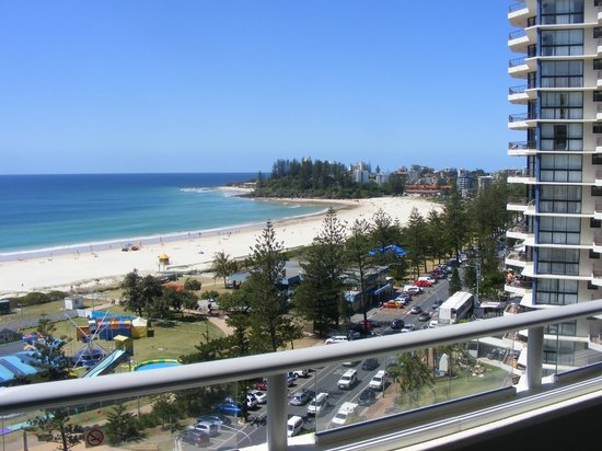 The Sebel Coolangatta : Spectacular views, Whales on the horizon