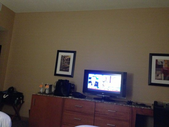 Hilton Shreveport: Flat Screen TV
