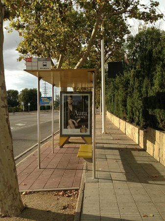 Best Western Plus Hotel Alfa Aeropuerto : Bus stop outside the Hotel