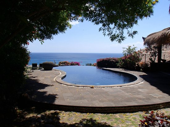 The Temple Lodge: Infinity Pool