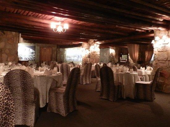 The Farm Inn: the restaurant dinning room